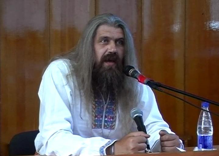 Глава Древнерусской Церкви староверов Патер Дий Александр в Севастополе. 2007.