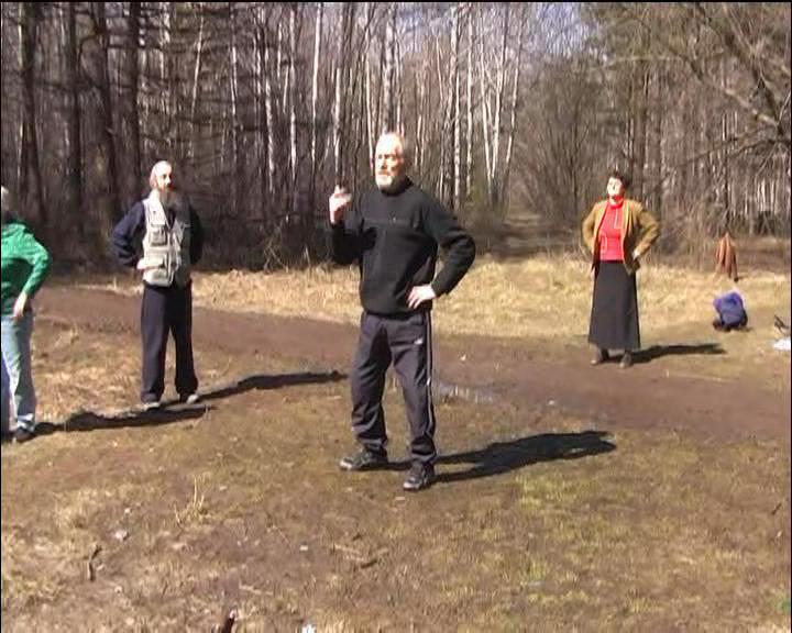 Народный целитель Алтая Б. И. Володарский. Группа здоровья в Новосибирском БотСаду.