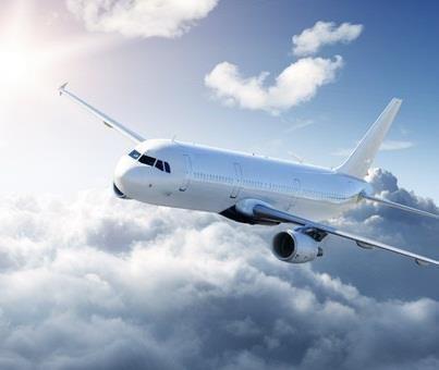 Когда кажется, что весь мир против тебя, помни: самолет взлетает против ветра.