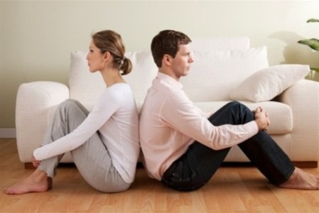 Ученые выяснили, что главная причина разводов – это скука.