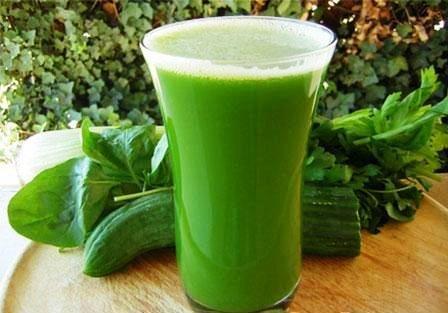 Зеленые коктейли - сильный толчок к развитию.