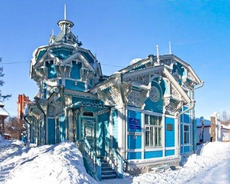 Красивый славянский дом