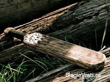 В древности на Руси ни один праздник наряду с традиционными кулачными боями не обходился без игры в русскую лапту.