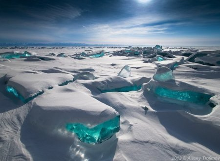 Байкал-озеро.