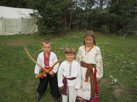 Азбука со славянскими персонажами.