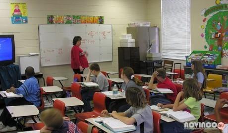 » Почти 60% жителей Латвии поддерживают преподавание русского языка в школе
