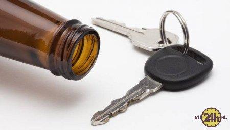Госдума ужесточит наказание за пьянку за рулем.