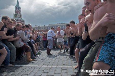 На Красной площади состоялись стеношные бои. Как